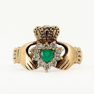 1940's Irish Emerald Claddagh 9K Ring